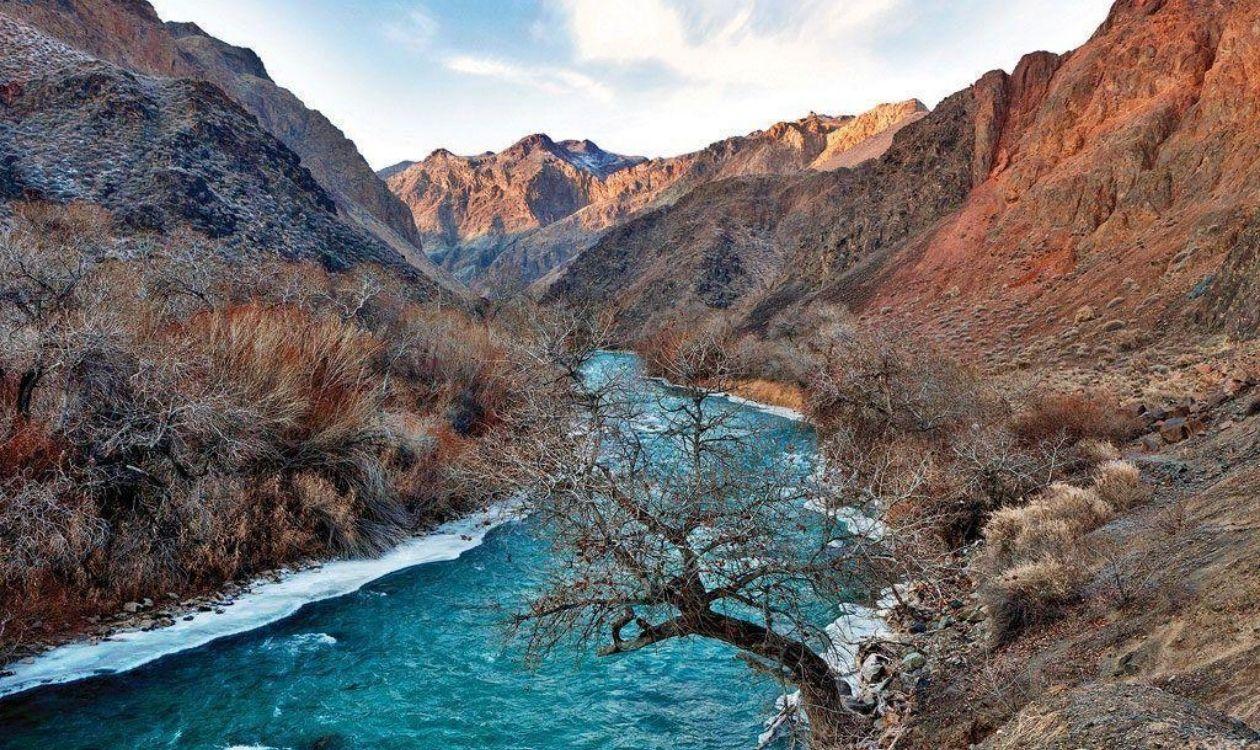 четыре каньона реки Чарын
